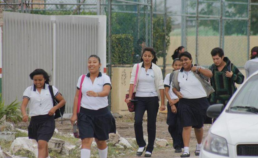 Los estudiantes deberán regresar con energía para continuar con los planes de estudios. (Israel Leal/SIPSE)