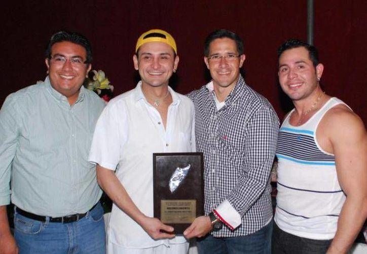 En sus presentaciones en Cozumel el público ha respondido gratamente al comendiante. (Cortesía/SIPSE)