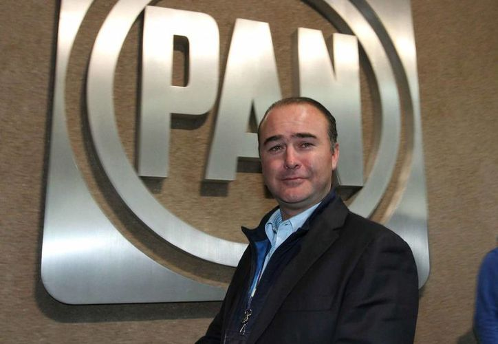 La permanencia de Luis Alberto Villarreal al frente de los diputados del PAN en el Congreso fue abordada en una reunión con el presidente del partido, Gustavo Madero. (Notimex)