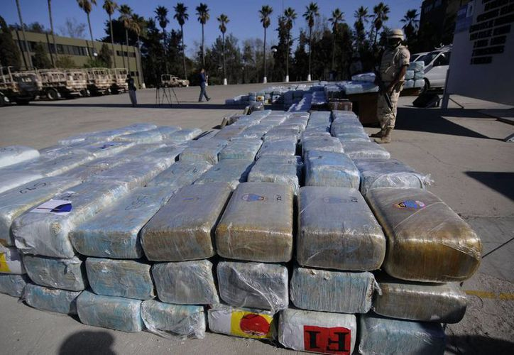 La droga fue trasladada a Guaymas y puesta a disposición de las autoridades. (Notimex)