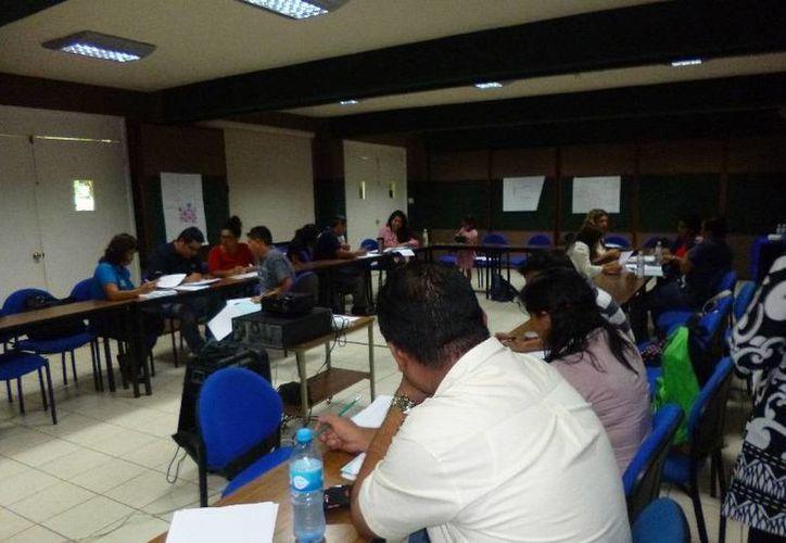 Los profesores formaron conceptos y significados para trabajar en el acompañamiento tutorial. (Cortesía/Uqroo)