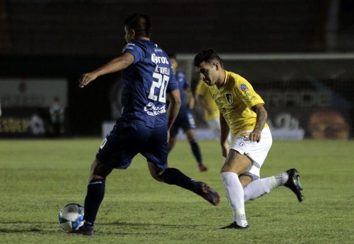 """Celaya vino a defenderse y por poco se lleva los tres puntos del """"Carlos Iturralde"""". (Foto: Milenio Novedades)"""