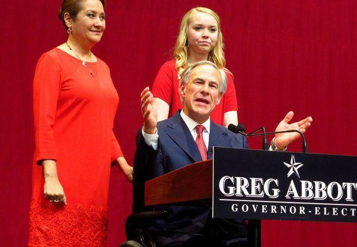 """El gobernador de Texas, Greg Abbott, dijo que el Estado seguirá abogando por """"estándares médicos de alta calidad"""" y confió en que el Supremo finalmente fallará a favor de la ley antiaborto HB 2. (EFE/Archivo)"""