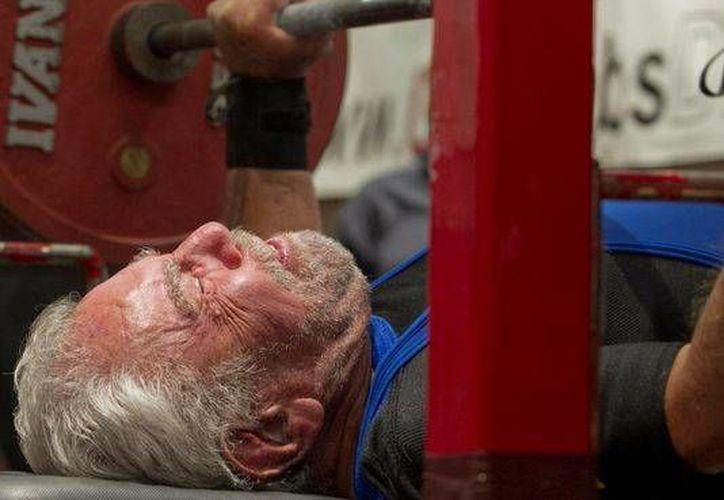 Sy nunca entrenó pesas sino hasta que tuvo 60 años. (usatoday.com/Archivo)