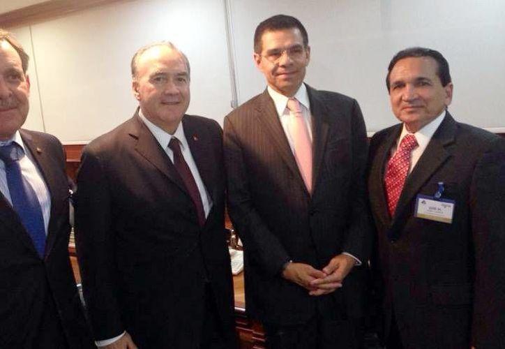 José Manuel López Campos (der.) dijo que un acuerdo no limita el derecho para presentar recursos de amparo. (Milenio Novedades)
