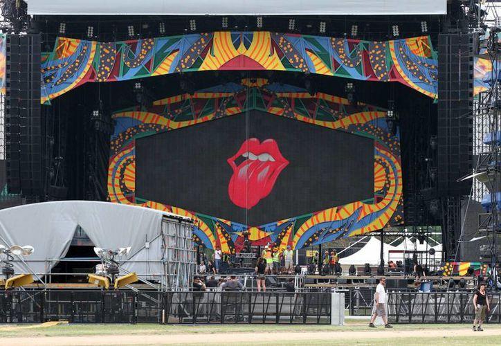 El escenario donde The Rolling Stones ofrecerá un concierto gratuito y al aire libre este viernes en la Ciudad Deportiva de La Habana. (Notimex)