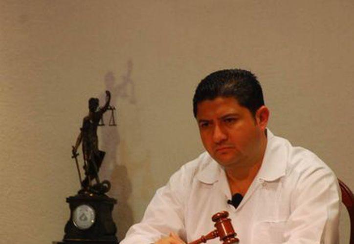 Todas las decisiones del Teqroo han estado apegadas al Derecho, pronunció Víctor Vivas Vivas. (Harold Alcocer/SIPSE)