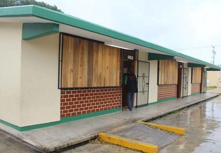 Hay 905 refugios temporales para 174 mil personas en el Estado. (Harold Alcocer/SIPSE)