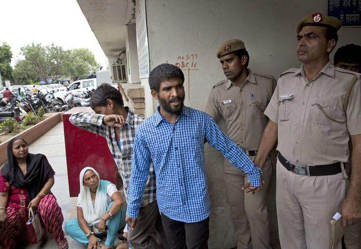 Cinco hombres que violaron a una turista danesa en Nueva Delhi fueron condenados a cadena perpetua por el ataque. (AP)