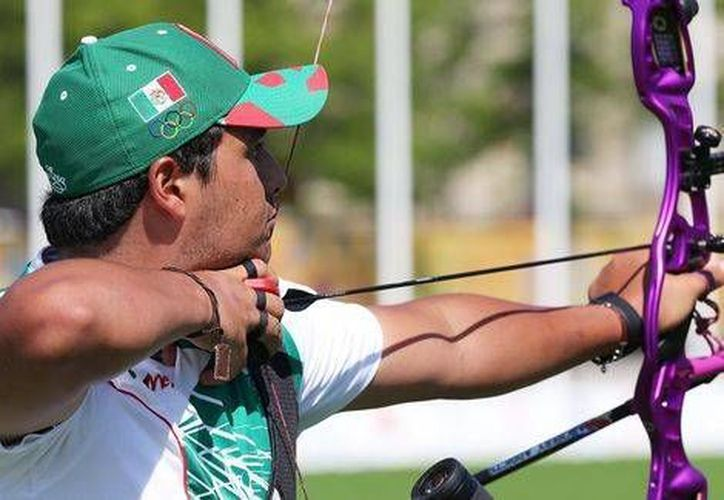 El mexicano obtuvo 668 puntos en la ronda de clasificación de la competencia de Tiro con Arco individual. Ernesto Boardman es el único mexicano que clasificó en la rama varonil. (Foto tomada de Conade)
