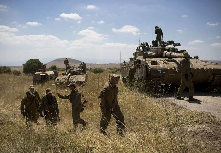 El ejército israelí dijo haber atacado nueve objetivos en Siria durante la madrugada del lunes. (Agencias)