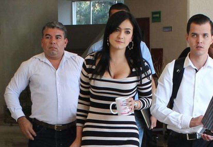 La senadora perredista Iris Vianey Mendoza solicitó 30 días de licencia mientras se aclarar la acusación en su contra por presuntos nexos con el crimen organizado. (Notimex)