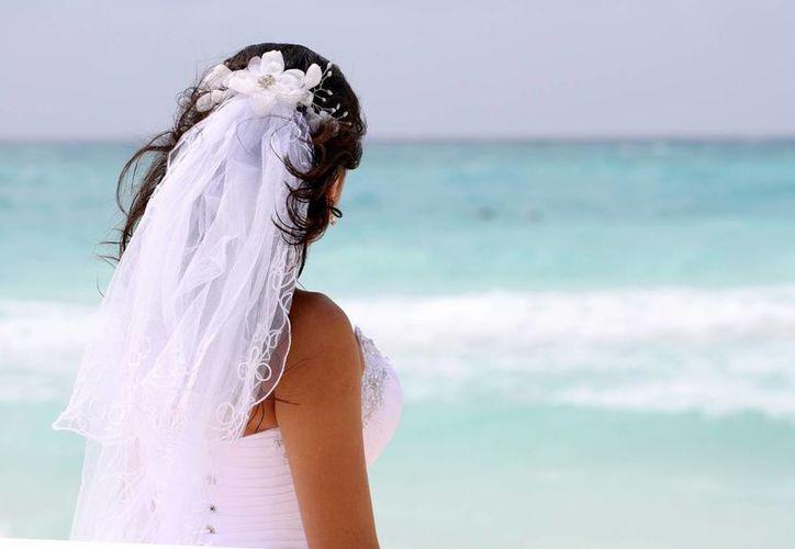De acuerdo con el FPTRM al menos tres de cada 10 parejas estadounidenses que se casan en el extranjero eligen a la Riviera Maya.  (Adrián Monroy/SIPSE)
