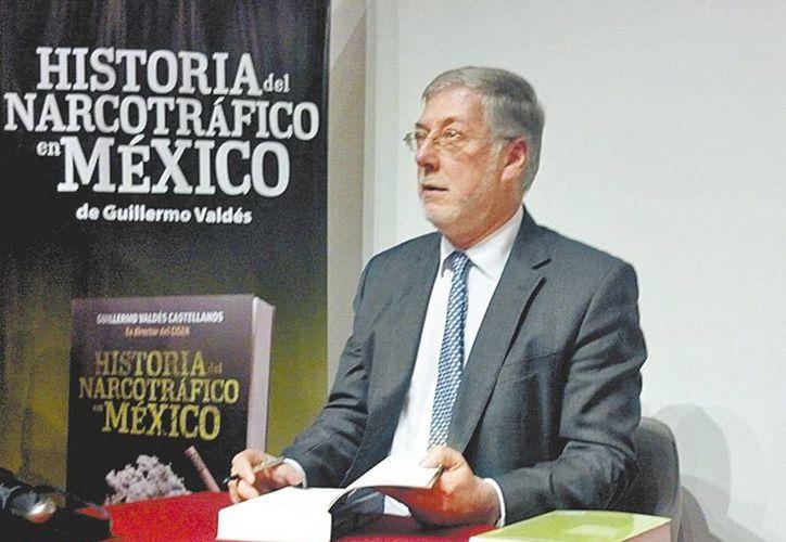 El exfuncionario, durante la presentación de su obra  Historia del narcotráfico en México. (Milenio)