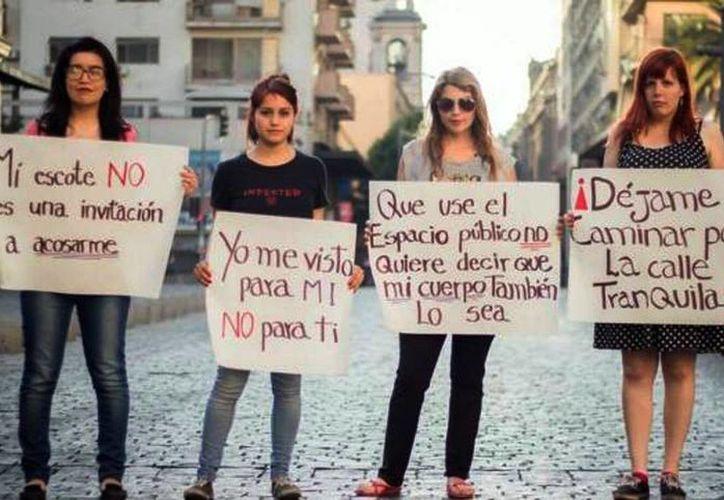 El 50 por ciento de las mujeres mexicanas ha sido tocada en las calles por lo menos una vez, el 69 por ciento ha tenido acercamientos indeseados y el 39 por ciento ha vivido persecuciones. (Facebook El Último Acoso)