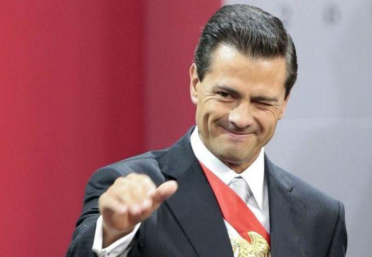 Peña Nieto, expresó sus felicitaciones a los chefs Enrique Olvera y Jorge Vallejo. (El debate).