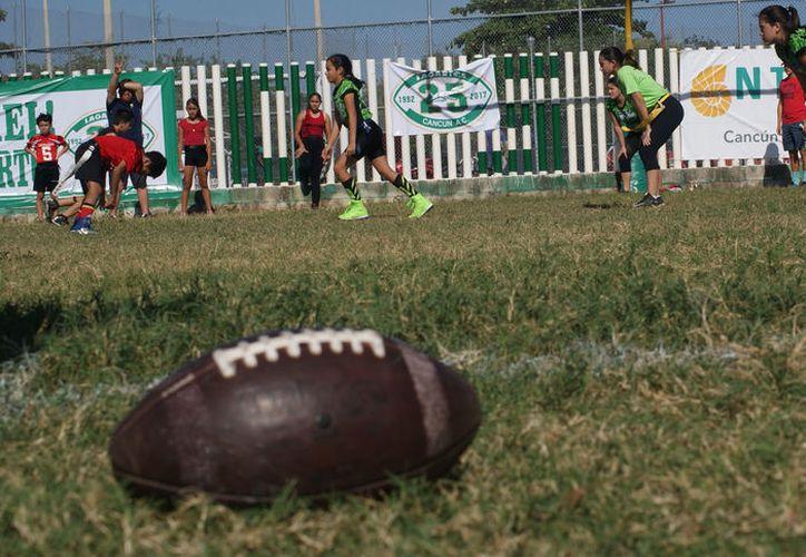 El llamado 'Súper Domingo' provoca división de opiniones entre parte de la comunidad que juega este deporte en Cancún. (Ängel Villegas/SIPSE)
