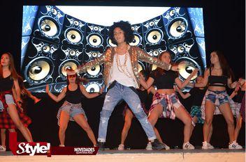Festival de la felicidad en el Teatro de Cancún