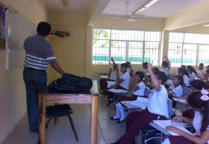 Los maestros a pesar de que no acudieron a los consejos técnicos, se presentaron a laborar a tiempo. (Pedro Olive/SIPSE)