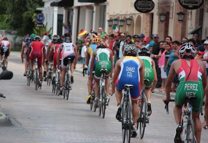 El Campeonato Mundial del Triatlón (ITU) convocará a cerca de 30 mil visitantes a Cozumel y la Riviera Maya. (Gustavo Villegas/SIPSE)