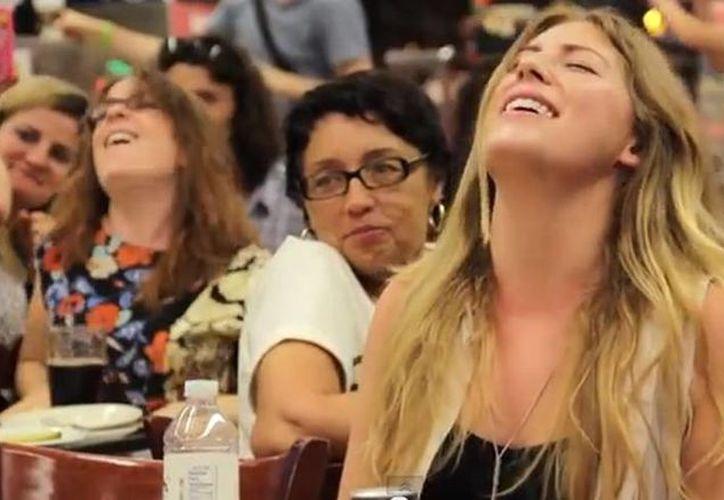 Para el flashmob se unieron 20 mujeres. (YouTube)
