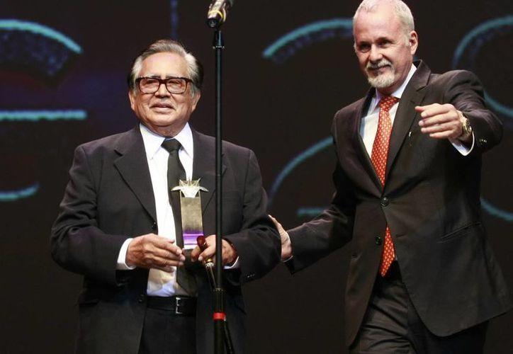 El acto Ernesto Gómez Cruz, recibió un reconocimiento en el Festival de Guadajara.(Agencias)