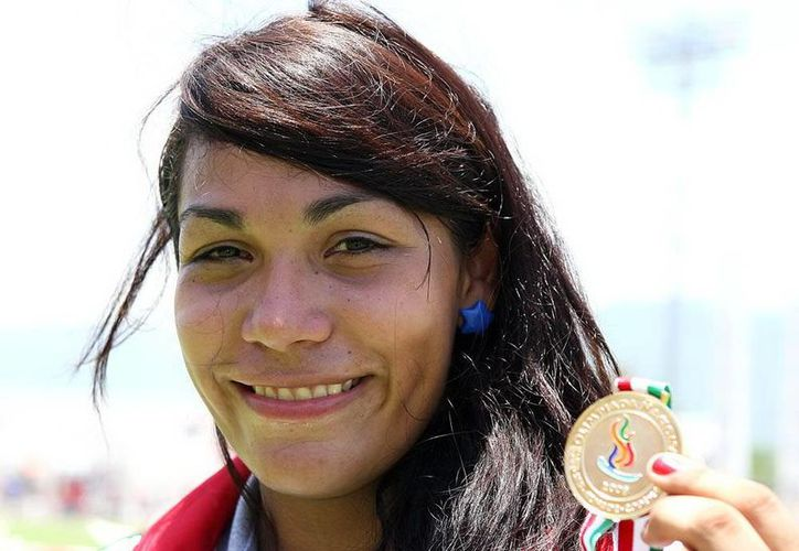 La lanzadora de bala Cecilia Dzul  es una de cartas fuertes de Yucatán rumbo a la Olimpiada Nacional en 2014, pero una sanción por dopaje amenaza con afectar su carrera. (Milenio Novedades)