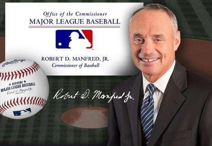 Robert Manfred, comisionado de las Grandes Ligas anunció un donativo para las víctimas de tornados e inundaciones que afectaron la semana pasada a Texas, Missouri e Illinois, por 250 mil dólares. (Foto: mlb.com)