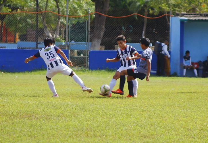 Este fin de semana Rayados Mérida recibe a Pioneros en el cierre de la primera vuelta de la Liga Nacional Juvenil. (Milenio Novedades)