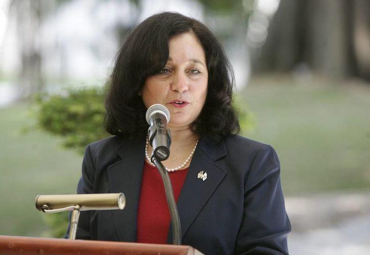 El Fiscal General, Eric Holder, confirmó la renuncia al cargo de la directora de la DEA a Michele Leonhart. (EFE/Archivo)