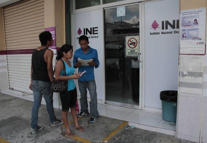 Las nuevas credenciales servirán para que el ciudadano ejerza su voto en el 2015. (Tomás Álvarez/SIPSE)