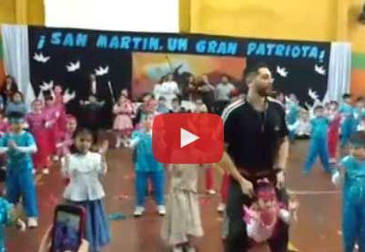 El evento escolar tuvo lugar este jueves, para conmemorar el aniversario de la muerte del general José de San Martín. (Facebook)