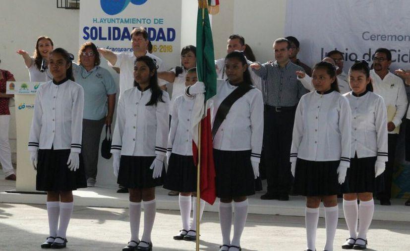 """El evento inaugural se realizó en la Secundaria Técnica """"Ignacio Zaragoza"""" de Playa del Carmen. (Foto: Octavio Martínez)"""