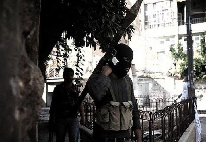 Según expertos, la crisis en Siria seguirá hasta que Occidente y algunos países árabes dejen de financiar a la oposición, a la que muchos sirios ven como Al Qaeda. (RT)