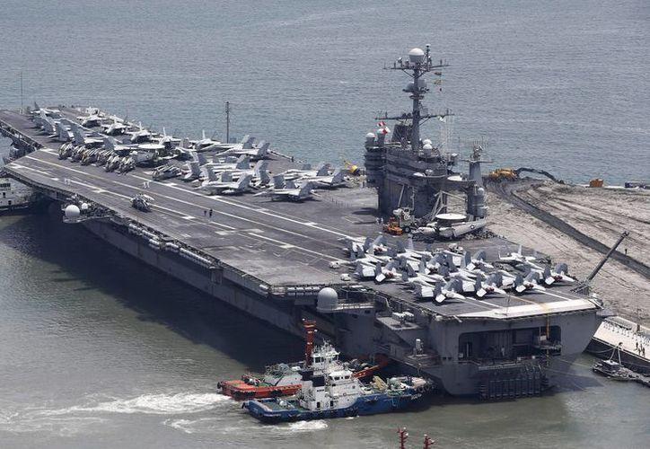 Vista del portaaviones estadounidense USS George Washington con el que partipa la Marina de EU en la edición 56 de Unitas, en Brasil. (EFE/Archivo)