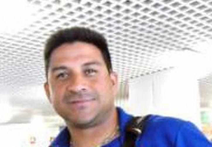 El venezolano Willie Romero es el coach de Leones de Tecuala, pues requiere saber de primera mano con quiénes cuenta para que den el salto a Leones de Yucatán. (Milenio Novedades)