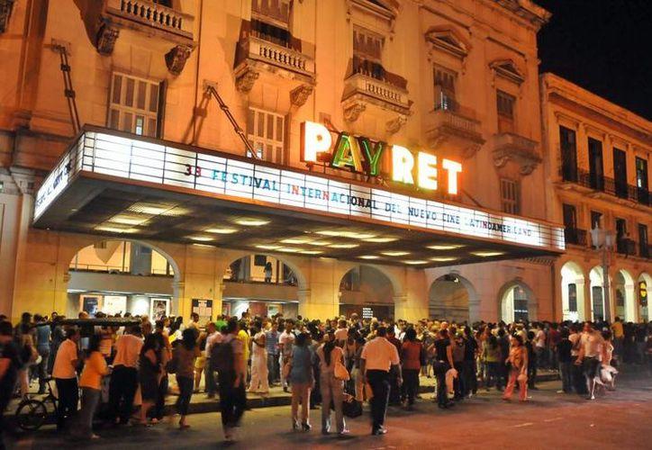 Tras un artículo en Juventud Cubana denunciando la proliferación de cines privados, el gobierno cubano cerró todas las salas. (EFE/Archivo)