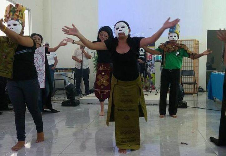 """El programa también incluye talleres de """"improvisación"""", """"teatro del cuerpo"""" y """"técnica vocal"""". (Celcar López/SIPSE)"""