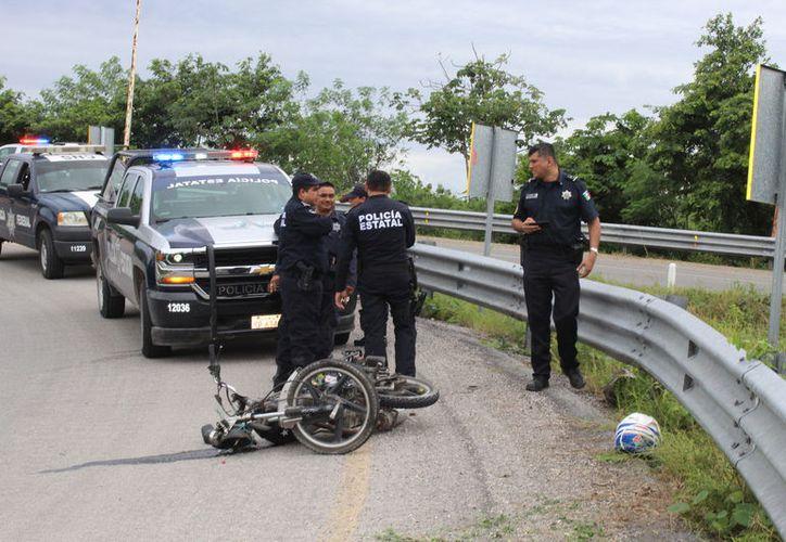 El sujeto, quien iba en estado de ebriedad, terminó con lesiones graves en el puente Chactemal. (Foto: Redacción/SIPSE)