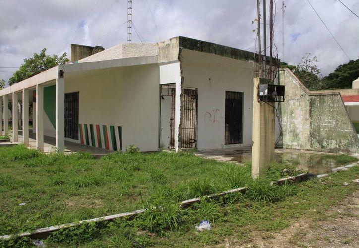 Los mercados locales, propiedad del Ayuntamiento de Benito Juárez sirven como bodega de archivos municipales. (Tomás Álvarez/SIPSE)