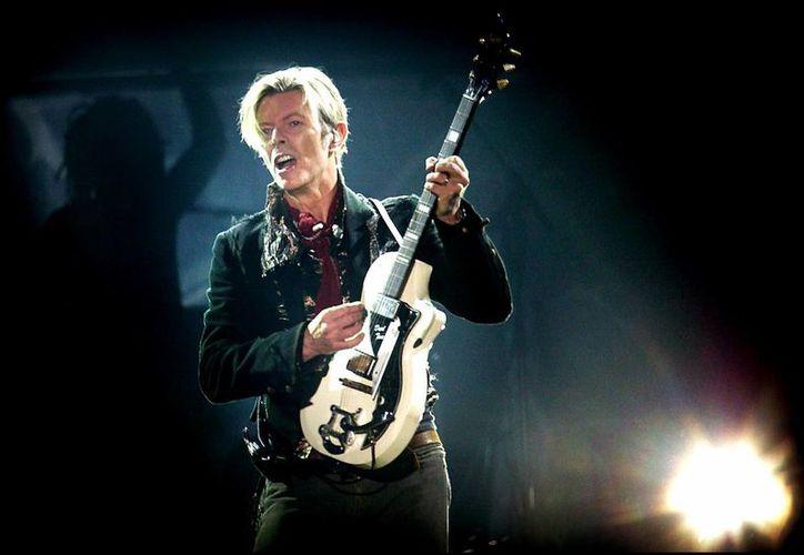 El cantante David Bowie fue una de las grandes personalidades que perdió la vida a inicios del año 2016.(Archivo/AP)