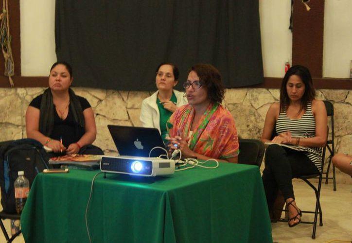Destacan impulso de Cine Club que coordina Víctor Morrillas y Grisell Alcántara. (Adrián Barreto/SIPSE)