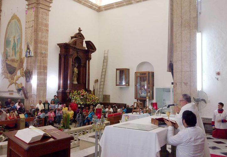 Monseñor Manuel Vargas Góngora, párroco de San Cristobal, agradeció a los feligreses su visita a la Virgen de Guadalupe en su día. (Milenio Novedades)