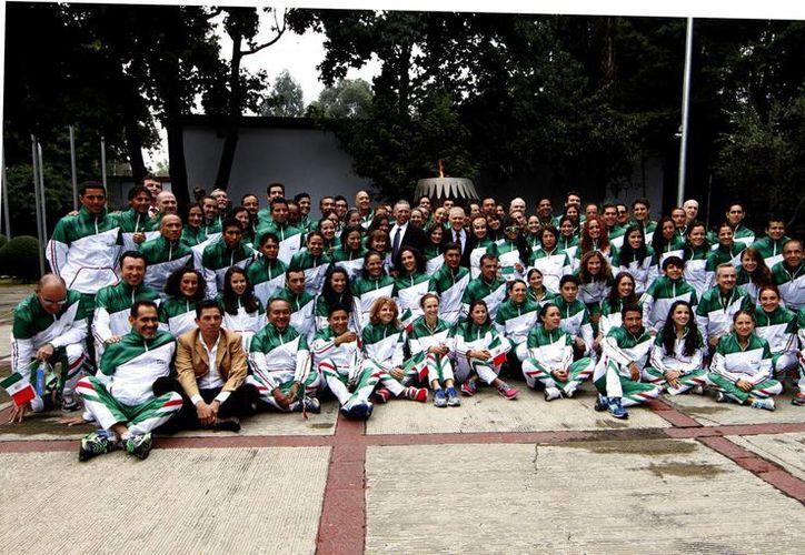 La delegación mexicana que viajará en el Campeonato Mundial de Triatlón está compuesta por 530 atletas que competirán en las categorías élite y por edades (Notimex)