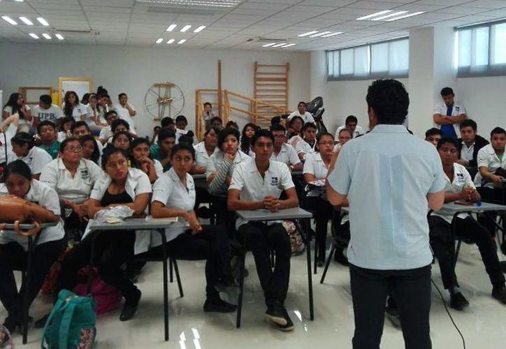 El CREN de Bacalar cuenta con espacio para una matrícula de 60 alumnos divididos en dos grupos de 30. (Javier Ortiz/SIPSE)