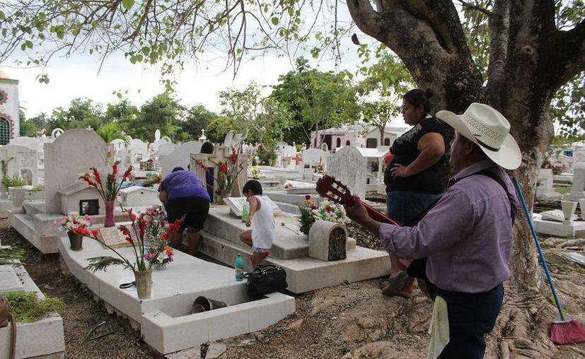 La conmemoración del Día de Muertos llenó el lugar. (Rodrigo Osorio/SIPSE)