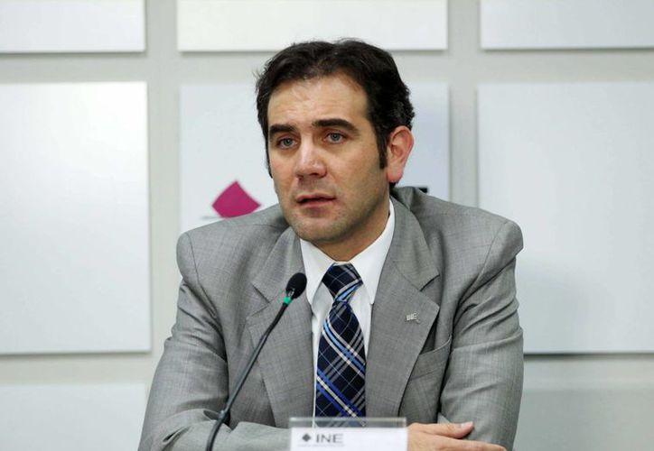 Lorenzo Córdova explicó que aun cuando no se instalen las casillas en Oaxaca, no está en riesgo la elección de diputados federales. (Archivo/Notimex)