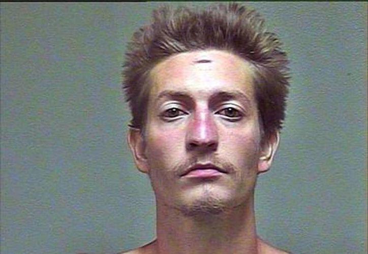 Fotografía de Christian Costello, sin fecha, proporcionada por el departamento policial del condado de Oklahoma. Costello está acusado de matar a su padre, el comisionado de Empleo de Oklahoma, el domingo 23 de agosto de 2015, en un restaurante de esa ciudad. (Oklahoma County Sheriff's Office vía AP)