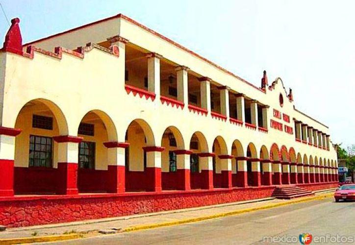 La comunidad de Pueblo Viejo, Veracruz, se ha vuelto el centro de atención por un caso de bullying, sobre todo porque en los últimos días la noticia de la muerte de un menor, en Tamaulipas, ha puesto de nueva cuenta el tema en la agenda. (puebloviejoveracruz.blogspot.com)