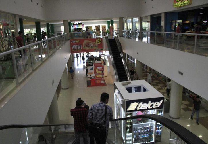 No todos los negocios de las plazas comerciales participan en el programa. (Tomás Álvarez/SIPSE)